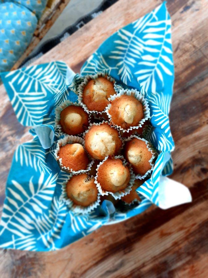Mini-cake pomme-raisins-rhum -mijote et papote