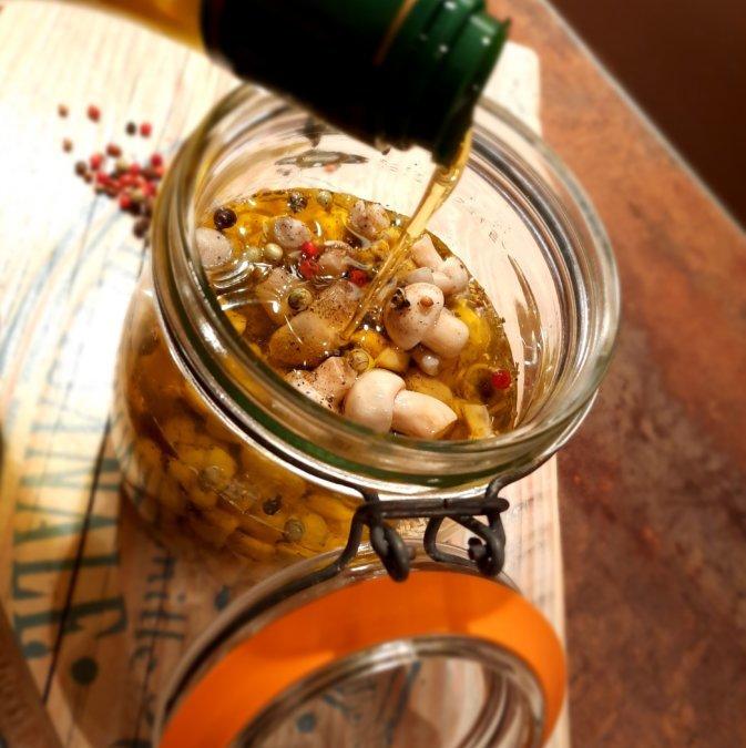 Rosés des prés (champignons) en condiment