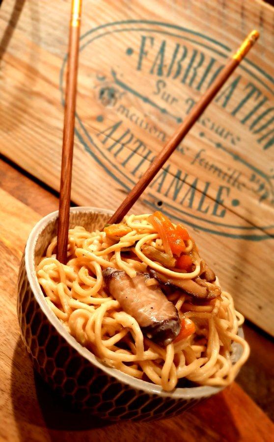 Nouille chinoise aux légumes - mijote et papote
