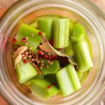 Pickles de rhubarbe